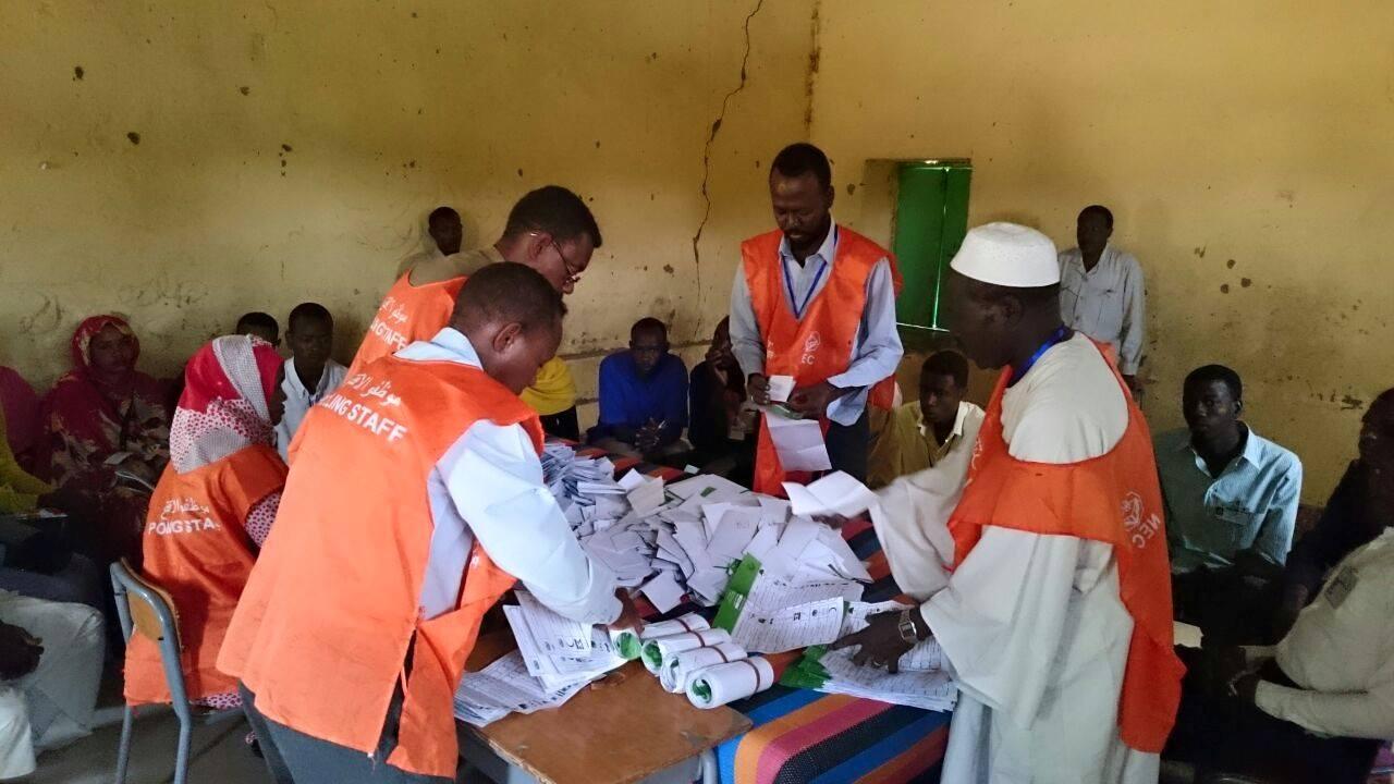 بدء فرز وعد الاصوات بجميع ولايات السودان عدا ولايتي شمال دارفور والجزيرة
