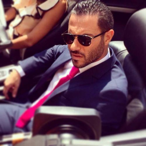 توفي الممثل والفنان اللبناني عصام بريدي بعد تعرضه لحادث سير مروّع.