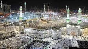 أكثر من مليوني مصلى في مكة.. تحريا لليلة القدر