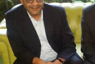 صورة للخندقاوي تظهر إستخدامه لأكثر من خمس أجهزة نقال تثير التعليقات !!