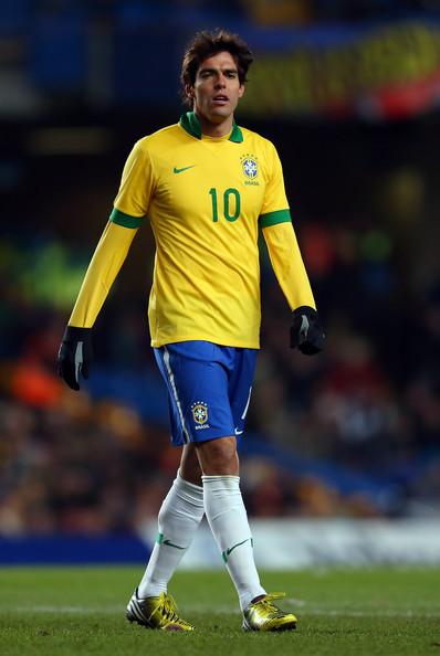 دونغا يستدعي كاكا لتشكيلة البرازيل