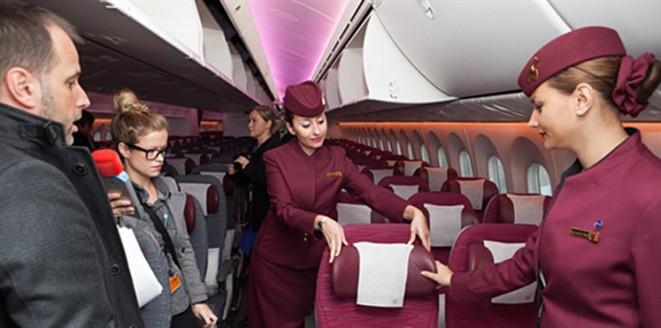 أخيرا طيران قطر تسمح للمضيفات بالزواج والحمل