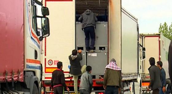 النمسا: العثور على جثث أكثر من 50 مهاجرا في شاحنة