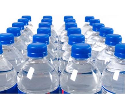 وزارة الصحة : (٥٪) من عينات مياه المصانع المعبأة غير صالحة للشرب