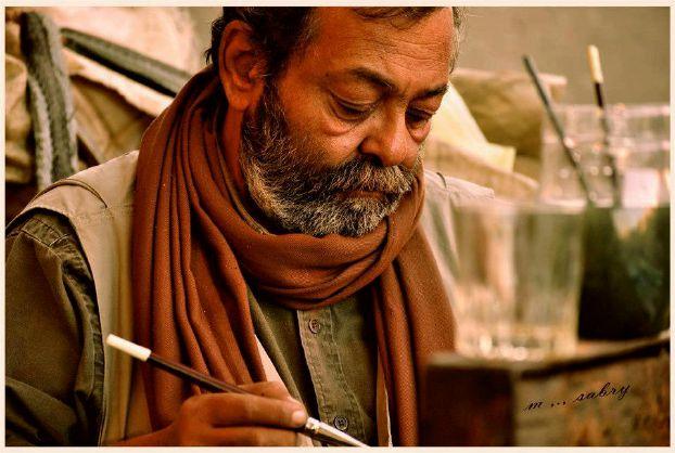 فنان مصري يودع أصدقاءه قبل وفاته بطريقة مؤثرة