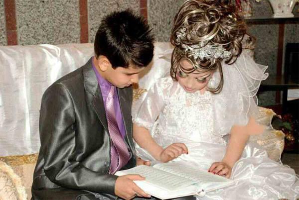 شاهد بالصور.. زواج في إيران العريس 14 عاماً والعروسة 10 0bbae3b2-af2b-4bab-b285-3824bc706cce