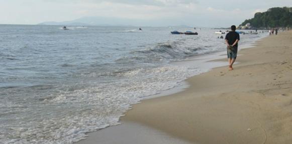 البحر قبل غروب الشمس يقي من حساسية الجلد