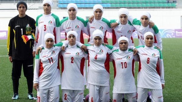 فضيحة رياضية.. 8 لاعبين ذكور في منتخب إيران للسيدات