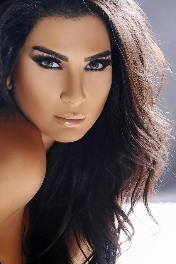 صور.. عندما يتفوق الجمال على الصوت.. شاهد شيراز اللبنانية !