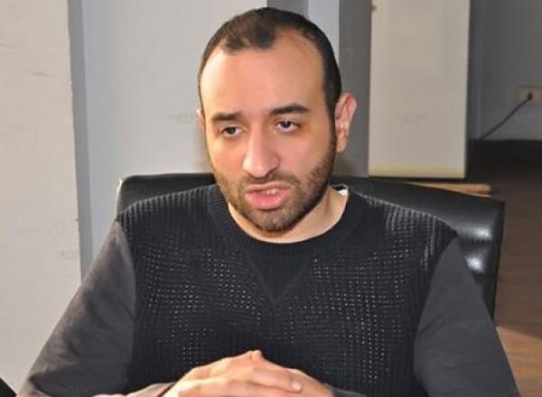 المخرج المصري الشهير عمرو سلامة: لو أبنتي أقامت علاقة غير شرعية هي حرة