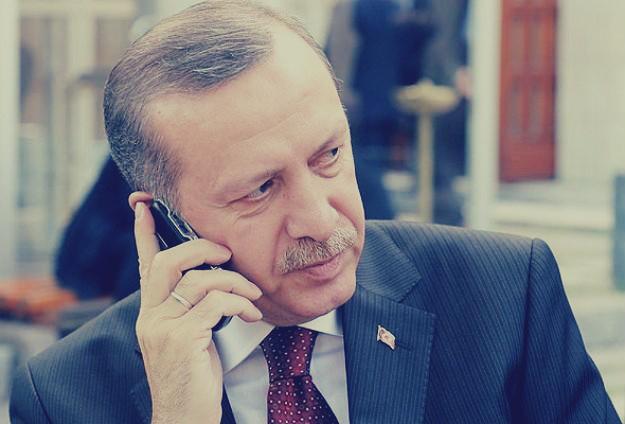 أردوغان ينقذ مواطناً همّ بالانتحار قفزاً من جسر البوسفور