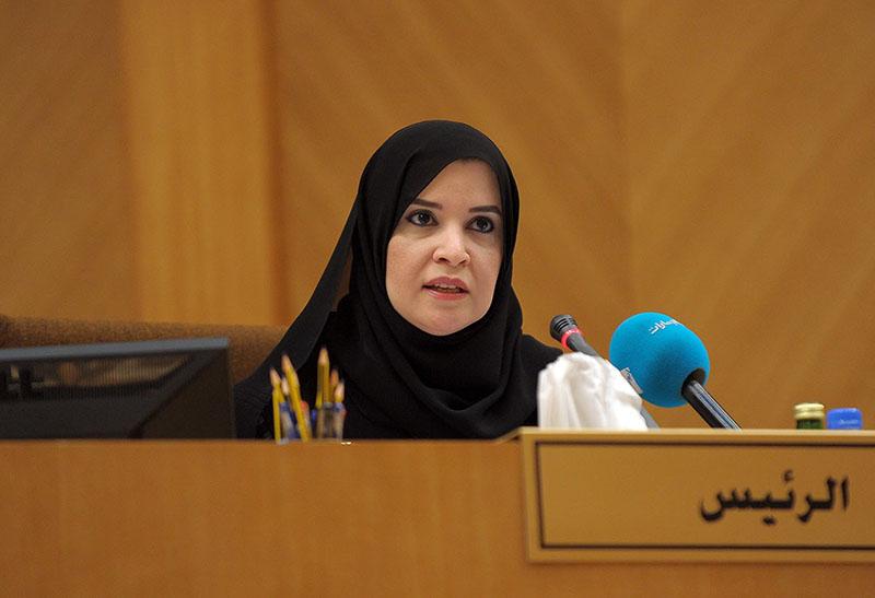 من هي أمل القبيسي.. أول امرأة تتولى رئاسة البرلمان في العالم العربي