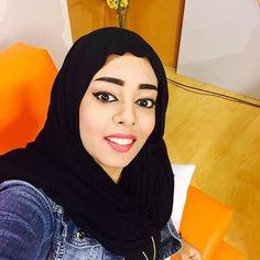 مذيعة قناة الشروق لينا أنور (عروساً)