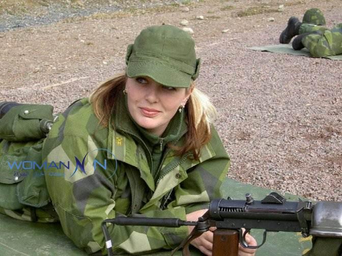 بالصور.. شاهد جمال وعنف نساء الجيش الأمريكي.. المرأة تمثل 11% من القوات المسلحة و20% من الاحتياط