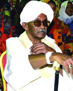 مصمم علم السودان عبد الرحمن أحمد الجعلي : كرمتني الدولة معنوياً ومازلت أسكن بالإيجار