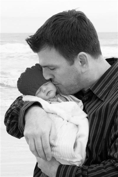 بالصور.. 10 أسباب مقنعة تجعل الأم تترك تربية الأبناء للأب