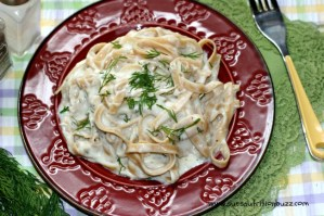 Skinny Fettuccine Alfredo with Greek Yogurt