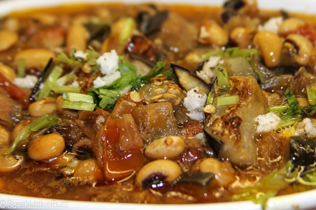 Black eyed peas with roasted eggplant-093