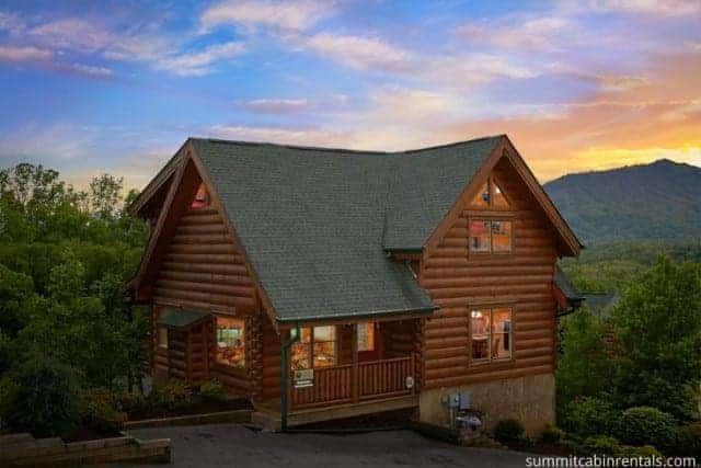 Wahoo lodge pigeon forge cabin 800 547 0948 free call for South carolina honeymoon cabins