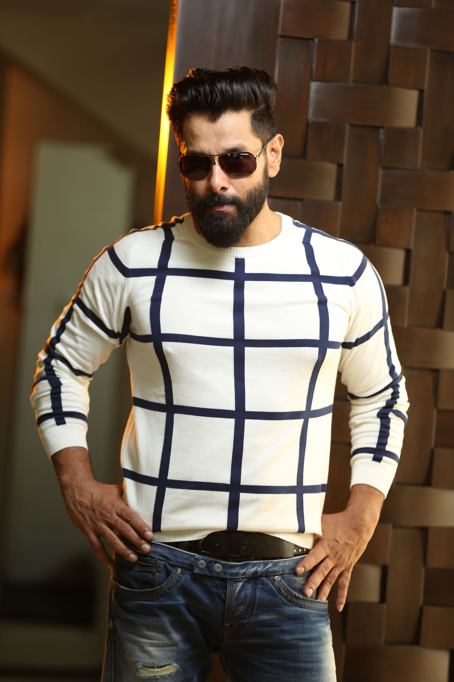 Full Hd Wallpaper Couple Vikram Latest Hd Photos Images Wallpapers Pics Download