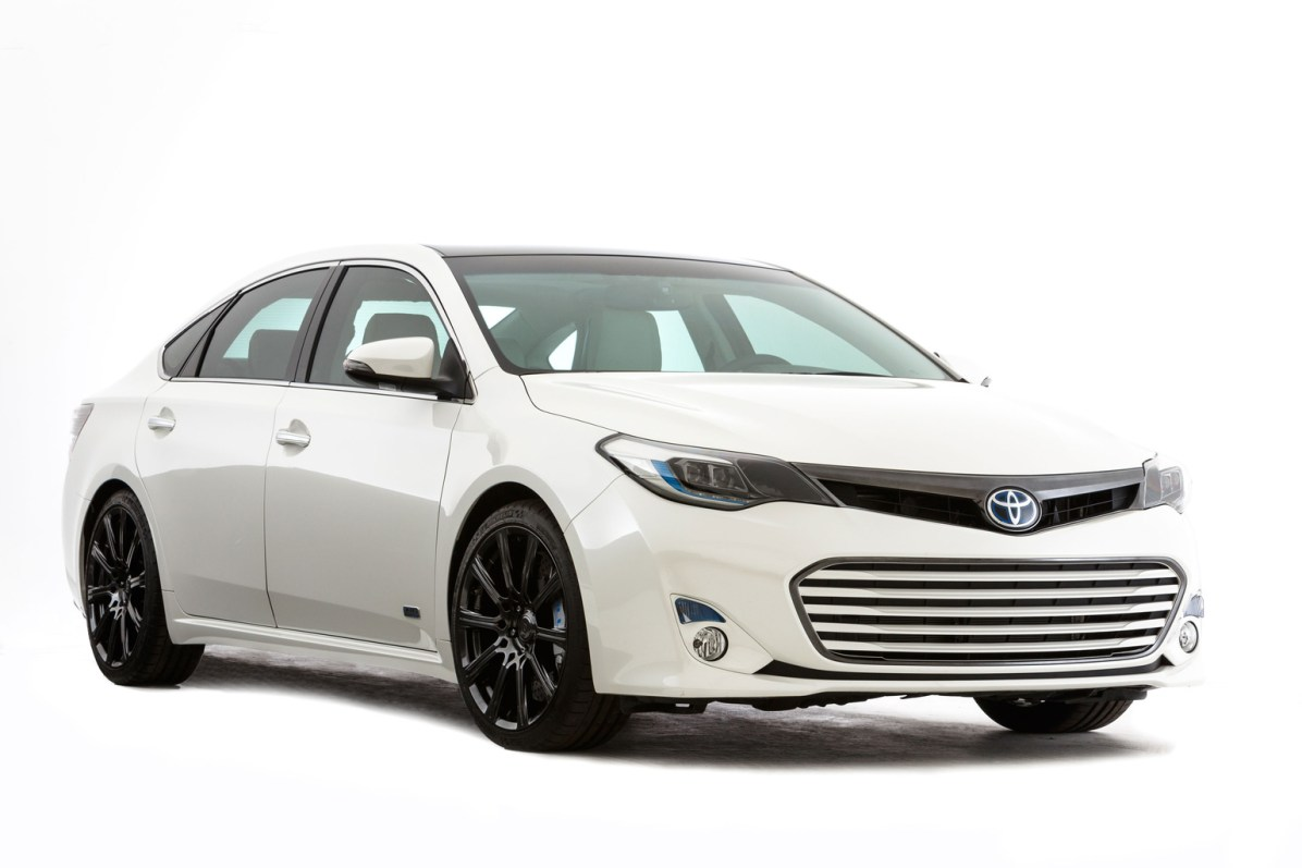 2013 Toyota Avalon HV Edition