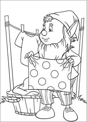 Big-Ears hangs the freshly washed clothes coloring page Free
