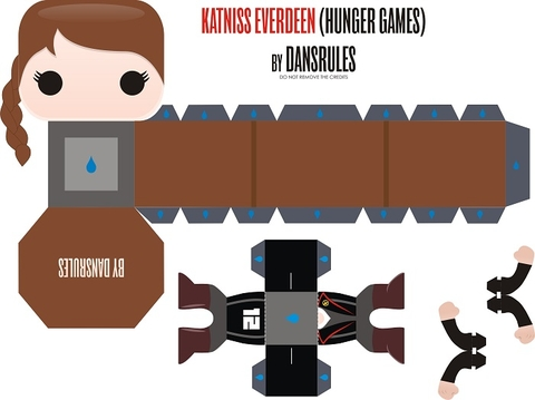 Katniss Everdeen from Hunger Games Paper Toy Free Printable
