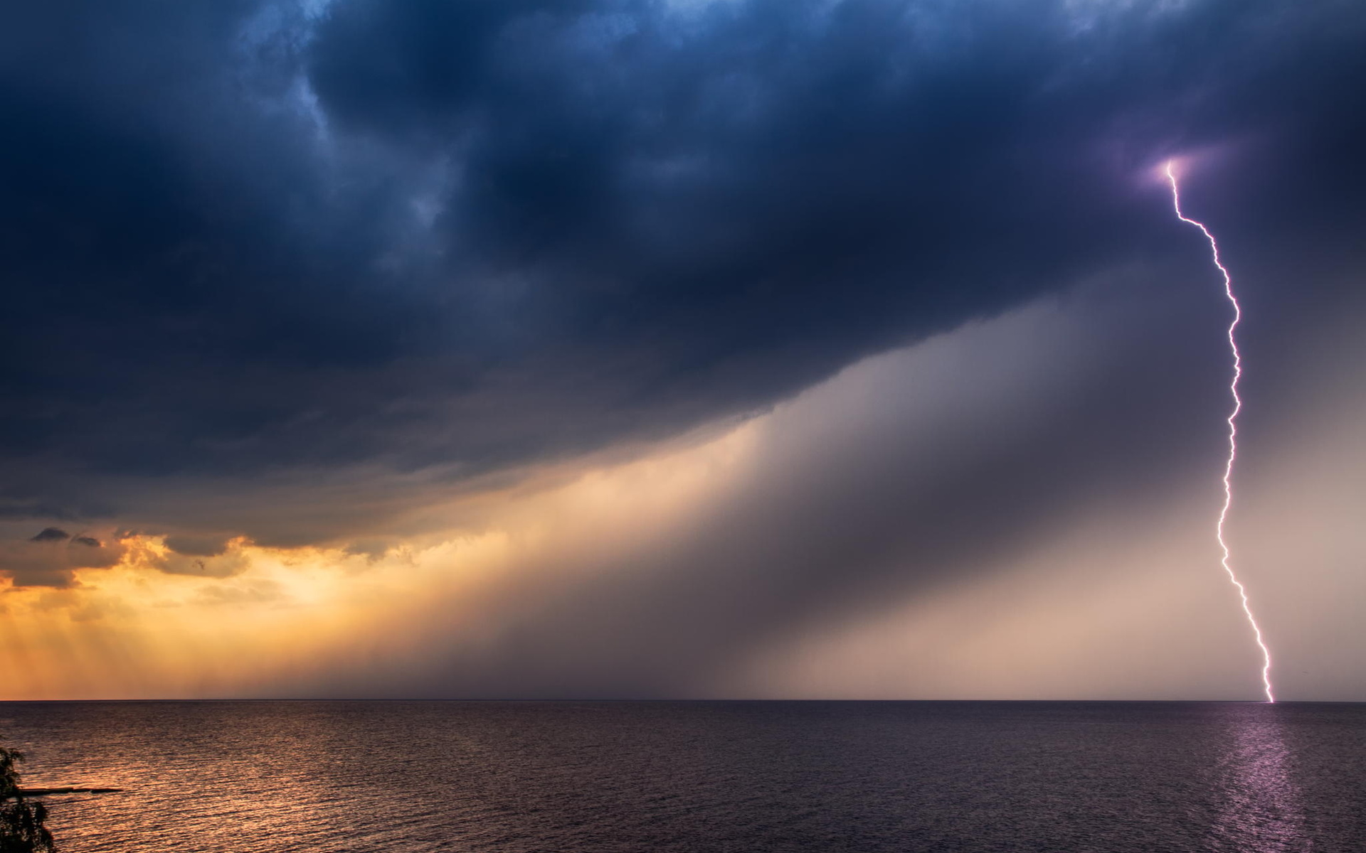 Girls Of The Wilds Wallpaper Lightning Black Clouds Storm At Sea