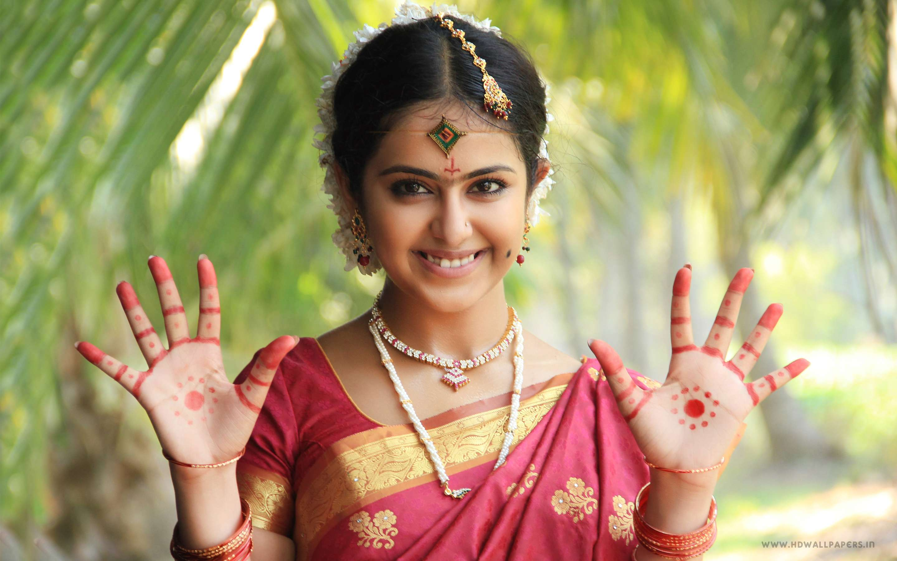 Hindu God Wallpaper Full Hd Actress Avika Gor Hd Wallpapers