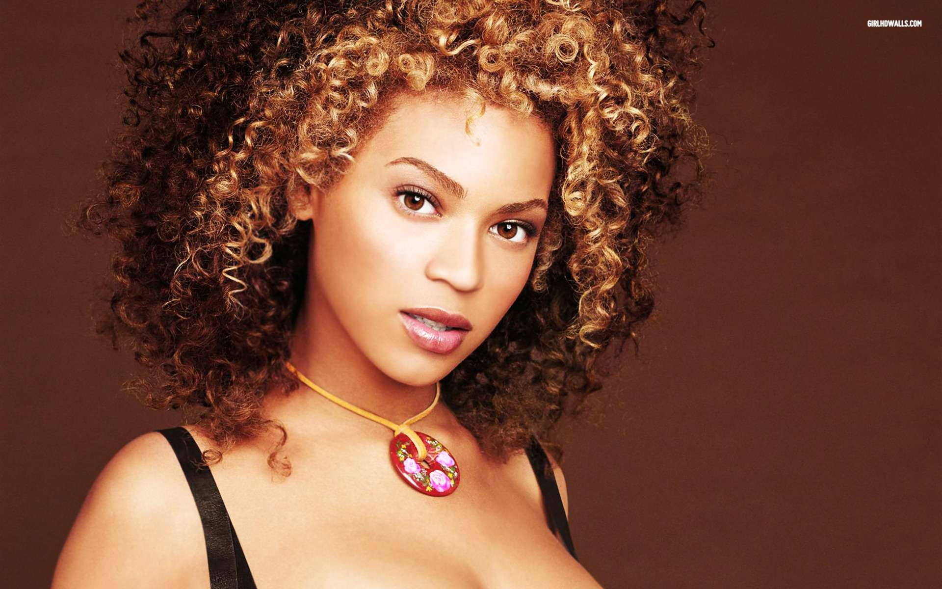 City Car View Hd Wallpaper Beyonce Knowles 5 Wallpapers Hd Wallpapers