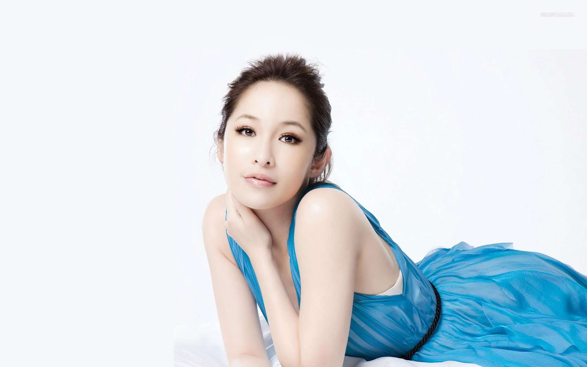 Most Beautiful Girl With Flowers Hd Wallpapers Elva Hsiao 2 Wallpapers Hd Wallpapers