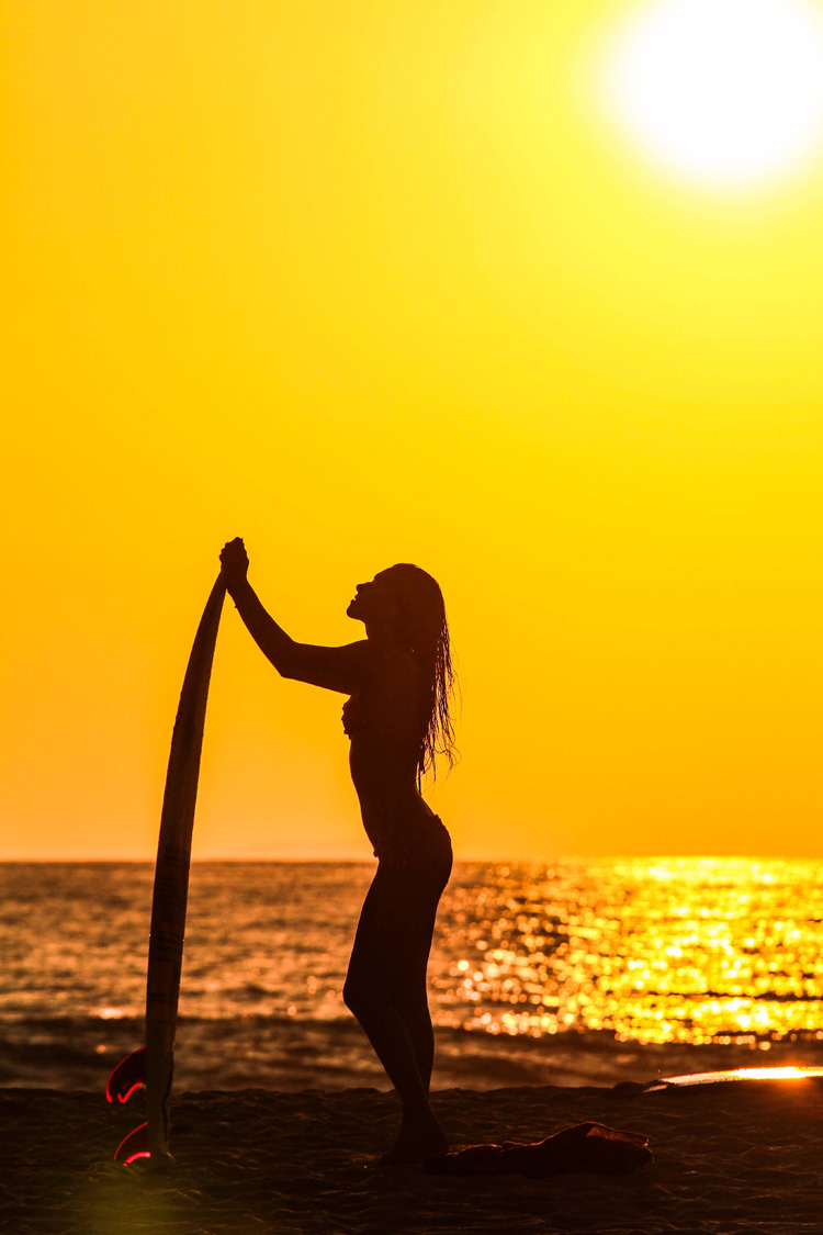 Wallpaper Hd Surfer Girl Quot Salty Eyes Quot Wants To Photograph Surfer Girls