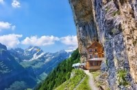 6 Amazing Houses That Were Built On or In Cliffs ...
