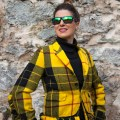 Burg Koenigstein Blazer comme garcons secondhand travel style vintage outfit fotograf designer Model 50plus best ager