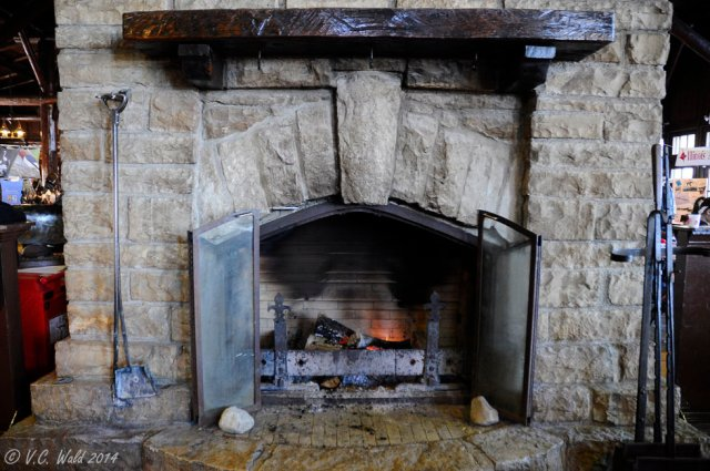 starved-rock-fireplace