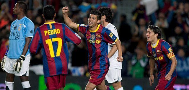 dovesti napadača Barcelona