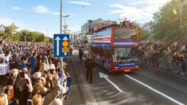 Herojska dobrodošlica za momčad Islanda u Reykjaviku