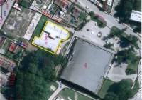 Město Svitavy nabízí stavební parcelu, na které stojí Restaurace Bowling a Squash za 651 tisíc Kč.