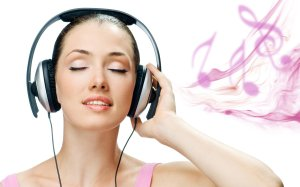 3467-girl-listening-music-pictures