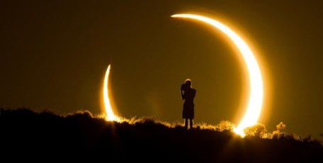 eclipse-annular-ring-of-fire-new-moon