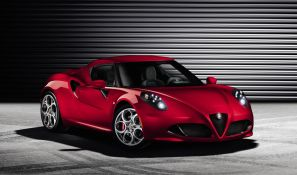Alfa Romeo 4C - front view