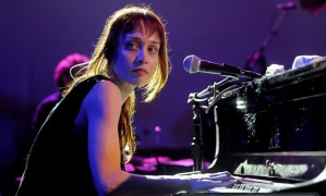 Track Watch: Hot Knife by Fiona Apple