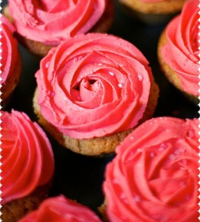 valentines-rose-swirl-cupcakes2