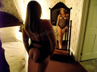 Independent GFE Escorts in Ottawa Emily J - Autumn 2013