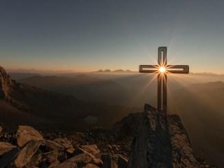 Krzyż rzuca światło na twoje serce. Czy jesteś gotów na ten sąd?