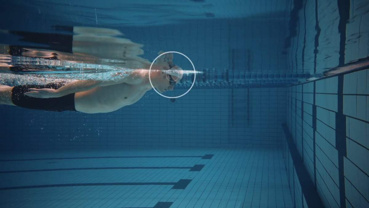Blind Cap: The first swimming cap with built-in vibration system to alert the blind swimmer