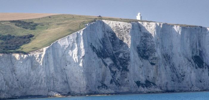 7671339544_4b3a827d87_b_Dover-cliffs