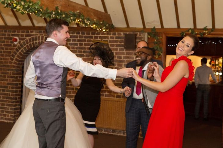 Wedding Reception Swinger Singer Photo