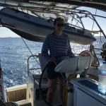 Åshild på roret, første vakt på nattseilas til Barbuda