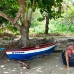 Båtens navn kunne ikke passet bedre til livet på Bequia